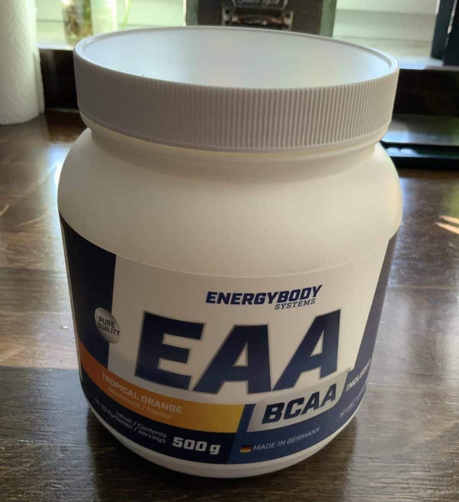 EAA sind nicht immer eine günstige, aber eine einfache Art, schnell an seine essentiellen Aminosäuren zu kommen.